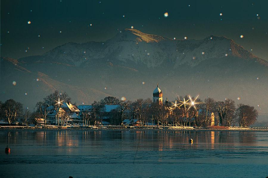 Blick auf die Fraueninsel im Winter