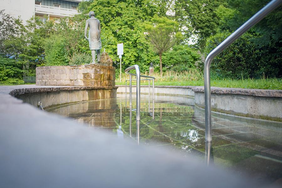 Kneippbecken im Kurpark Prien