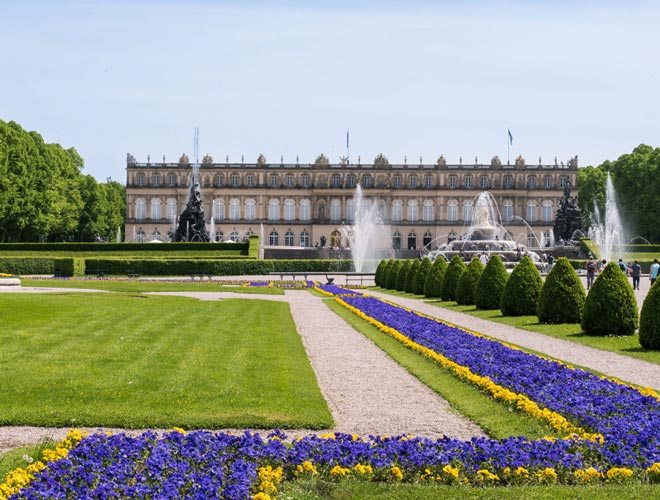 Schloss Herrenchiemsee im Sommer