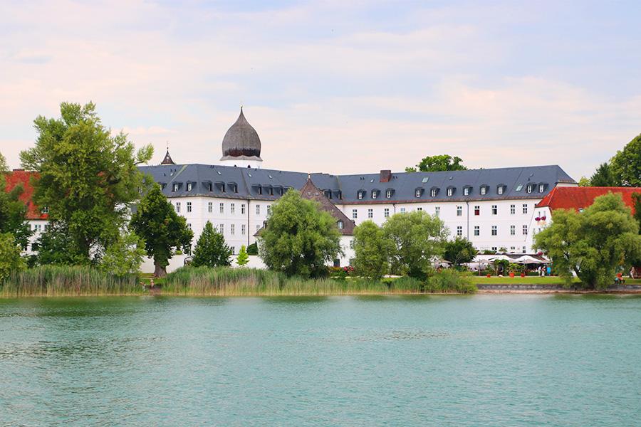 kultur-wochenende-fraueninsel-kloster