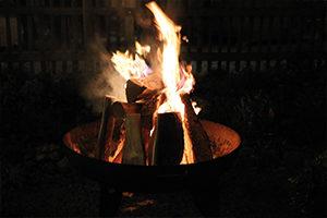 priener-winterwald-lagerfeuer