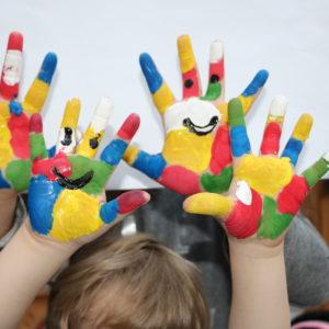 Kinderhände.PMG